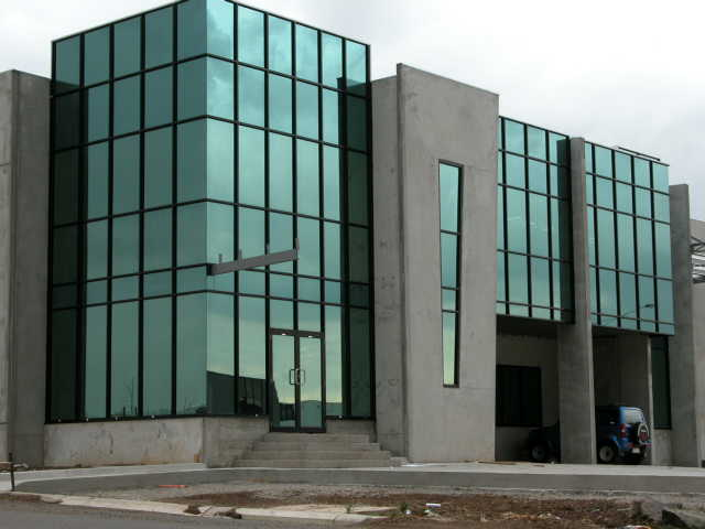 Curtain Wall Building Design : Modified curtain wall application on building facades